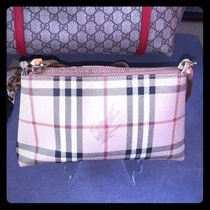 Burberry Clutch Authentic